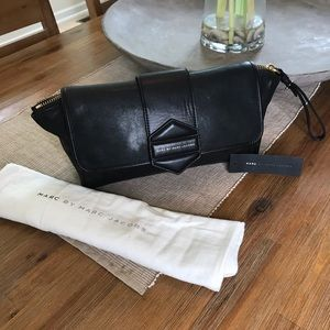 Marc Jacobs Clutch w/tags and dust bag